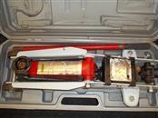 LARIN LYP-4501 2-1/2 TON FLOOR JACK WITH ORIGINAL CASE